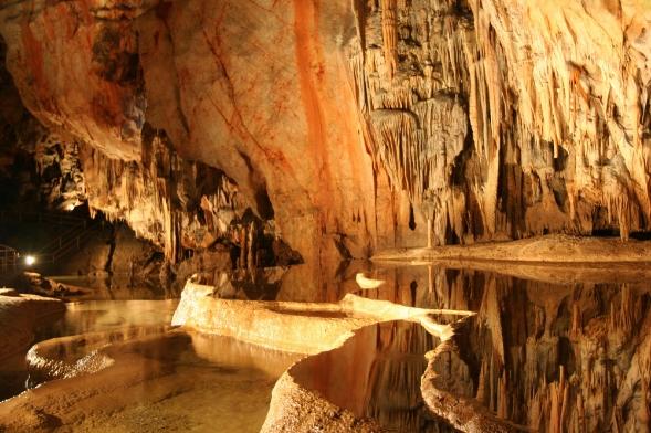 Cuevas de Karst de Aggtelek. Hungría